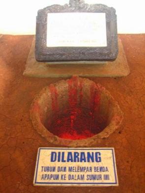 Sejarah Lubang Buaya Marlinah03